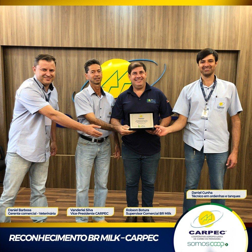 CARPEC recebe Placa de reconhecimento.