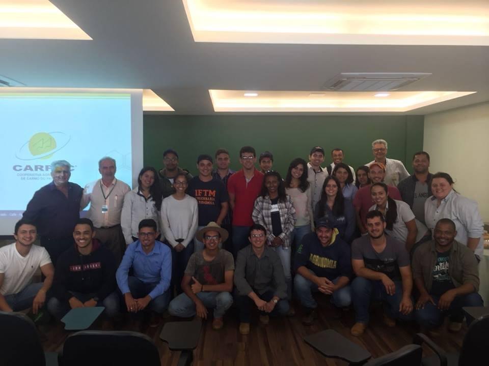 Visita dos alunos do 9º Período de Engenharia Agronômica da IFTM - Instituto Federal do Triângulo Mineiro - Campos de Uberlândia