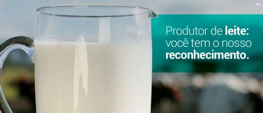 Presidente da CARPEC Tarcísio Daniel da Silva participa da manifestação pela valorização produção leiteira em Prata / MG